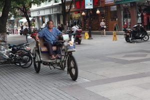 三輪車老人